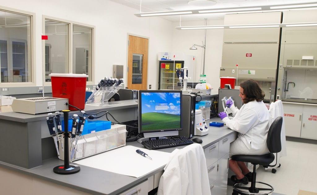 osbi_forensic-science-center_-interior-laboratory-3